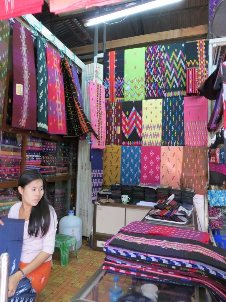 Pedagang Grosir Sarung Harga Murah Di Surabaya